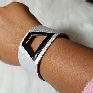 Nwt  Silver Design Wrap Bracelet